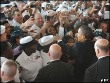 Pres Obama greeting troops in Florida on 26 October 2009