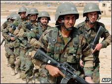 Afghan soldiers take part in combat training outside Kabul (September 27, 2009)