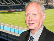 Linfield chairman Jim Kerr
