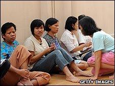 Former Indonesian maids in the embassy in Kuala Lumpu, Malaysia (23 June 2009)