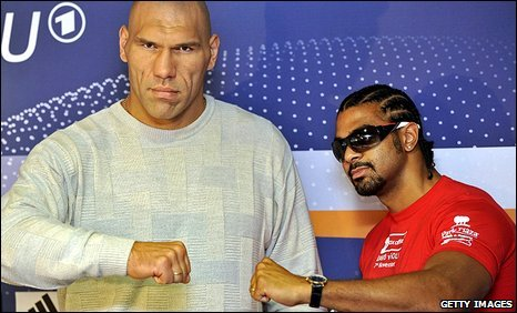 Nikolay Valuev (left) and David Haye