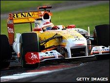 Fernando Alonso's Renault at the season-ending Abu Dhabi Grand Prix