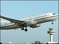 Boeing jet allegedly used in CIA flight to Spain (2004 file)