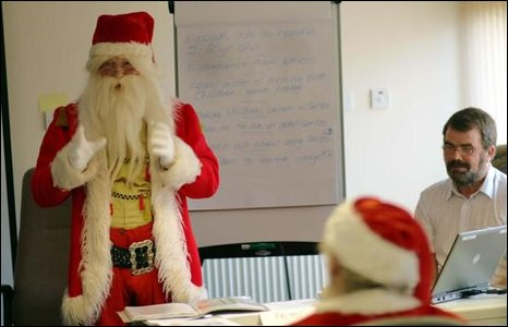 http://newsimg.bbc.co.uk/media/images/46674000/jpg/_46674516_santa.jpg