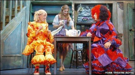Martin Barrass, Suzy Cooper, Berwick Kaler. York Theatre Royal pantomime