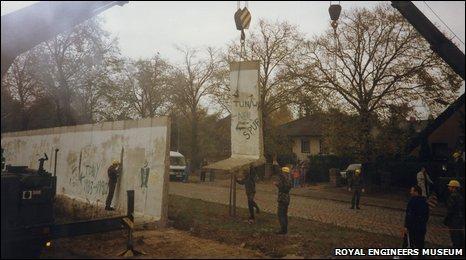 Dismantling Berlin Wall