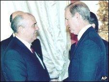 Soviet President Mikhail Gorbachev (left) meeting US Secretary of State James Baker in Moscow, June 1990