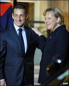 French President Nicolas Sarkozy and German Chancellor Angela Merkel in Paris (28 October 2009)