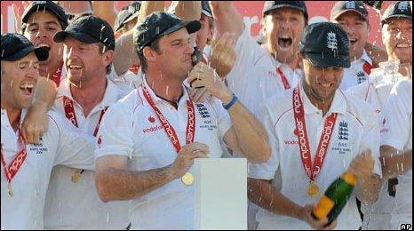 Andrew Strauss & England's winning Ashes team