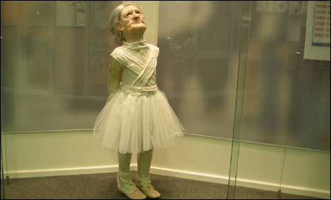 Old lady in ballet costume