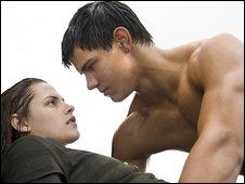 Jacob (Taylor Lautner) & Bella (Kristen Stewart)