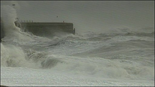 Large waves in Dover
