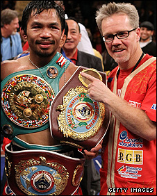 Manny Pacquiao (left) and Freddie Roach