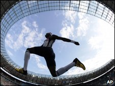 Triple jumper, AP