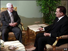 Mahmoud Abbas and Hosni Mubarak in Cairo (17 November 2009)