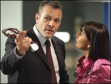 Nick Jordan (Michael French) and Zoe Hanna (Sunetra Sarker)