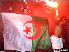 Algerian fans celebraing