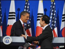 US President Barack Obama and South Korean Presidnet Lee Myung-bak, Seoul, SKorea, 19 Nov 09