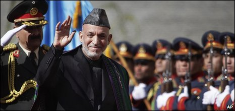 Afghanistan President Hamid Karzai arrives at his inauguration ceremony.