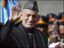Hamid Karzai arrives for inauguration in Kabul on 19 November 2009