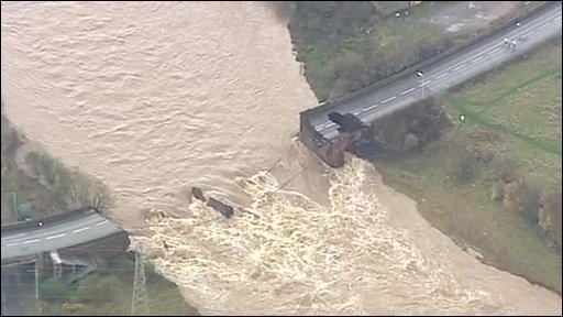 Cumbria flooding: Bridge collapse