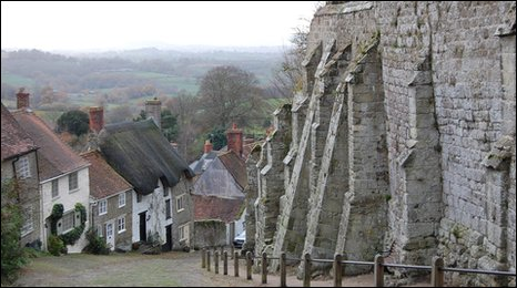 Gold Hill, the iconic Dorset street made famous by a bread advertisment