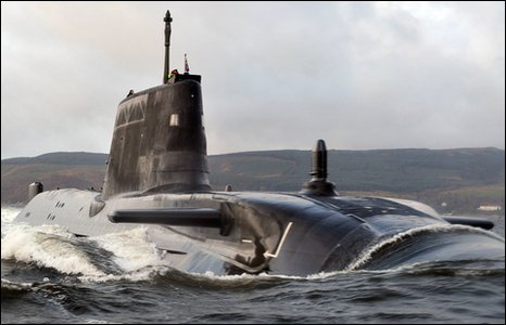 Astute submarine arrives on Clyde (Pic from MoD)