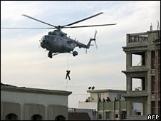 Commandos dropping on Nariman House during the Mumbai attacks