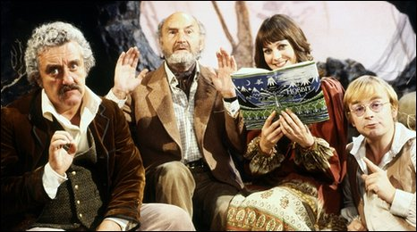 Bernard Cribbins on Jackanory - (l-r) Bernard Cribbins, Maurice Denham, Jan Francis and David Wood
