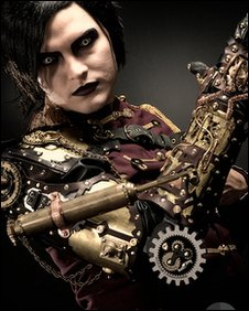 Steampunk arm, A Scrivener