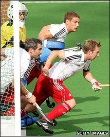 England defend a short corner