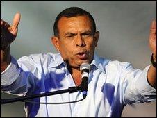 Honduras president-elect Porfirio Lobo addresses supporters