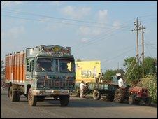Truck on road in Mandideep