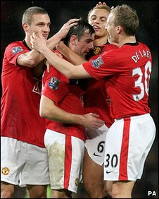 Manchester United celebrate scoring against Tottenham