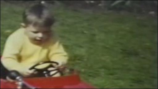 Carwyn Jones yn blentyn