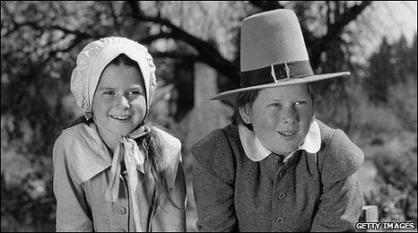Children dressed as Quakers in 1927