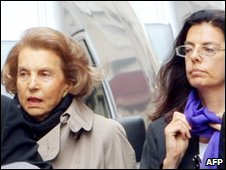Lilianne Bettencourt, left and Francoise Bettencourt-Meyers, file pic from 2007