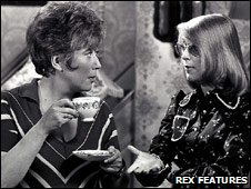 Blanche Hunt (Maggie Jones) and Deirdre Barlow (Anne Kirkbride)