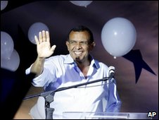 Porfirio Lobo celebrating after winning the Hondruan presidential election on 29 November