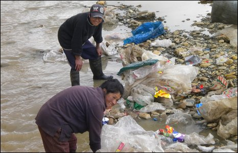 Rubbish in stream (BBC)