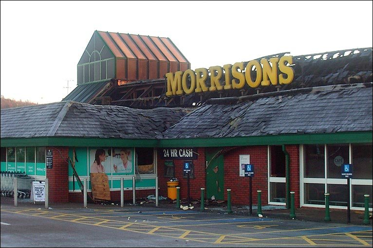 http://newsimg.bbc.co.uk/media/images/46855000/jpg/_46855003_morrisons_j_bowness.jpg