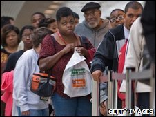 US job hunters line up at Baltimore jobs fair