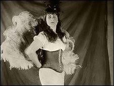 Welsh burlesque photoshoot