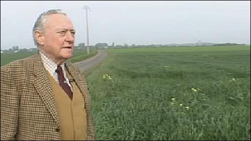 Richard Todd in the fields of Normandy