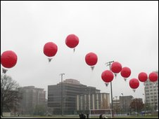 Red balloons (image: Darpa)