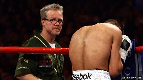 Freddie Roach (left) with Amir Khan