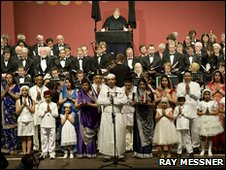 Choir sings at the Parliament of the World's Religions in Melbourne. Photo: Ray Messner