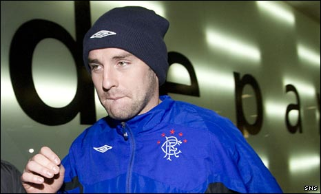 Kris Boyd leaves Glasgow Airport for Spain