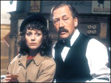 Jan Francis as Lisa 'Yvette' Colbert and Bernard Hepton as Albert Foi