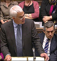 Alistair Darling delivering his pre-Budget report